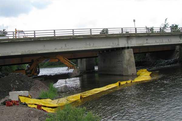 cofferdam nel canale sotterraneo delle opere fluviali