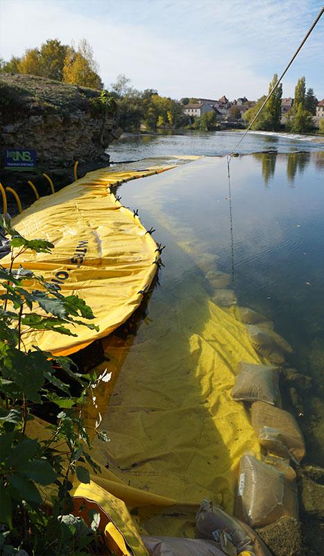 Cofferdam flessibile Water-Gate ©. Progetto fiume. Ponte sul rinnovamento del Doubs. Dole