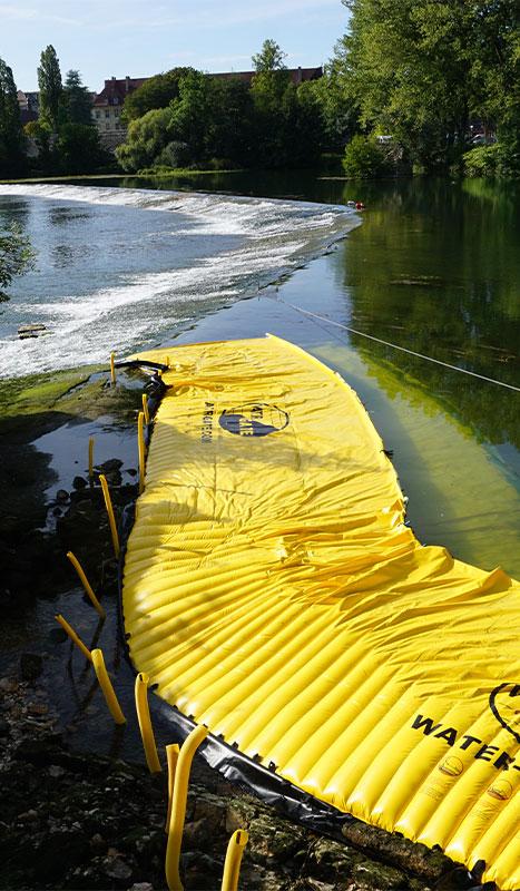 Cofferdam flessibili Water-Gate© installati sulla grande soglia del Doubs a Dole du Jura.